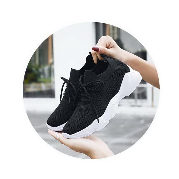 Sepatu Sneakers Warna Hitam BSI 122