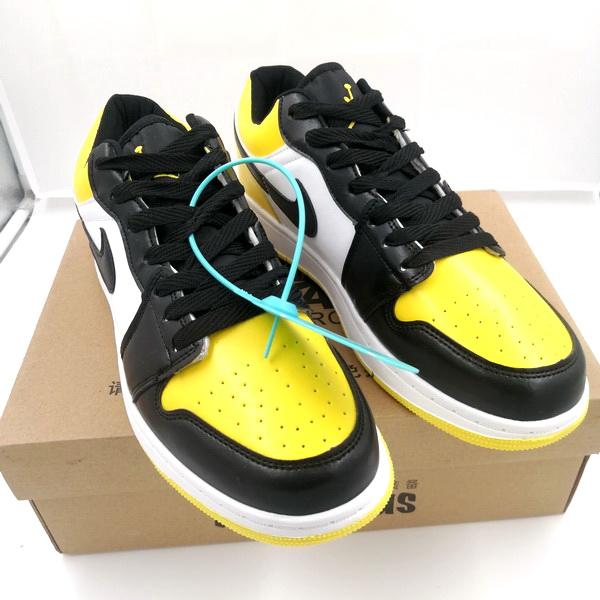 Sneakers Import Terlaris Di Tahun Ini