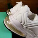 Sepatu Wanita Trend Di Tahun 2021 Warna Putih