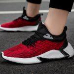 Sneakers Pria Warna Merah