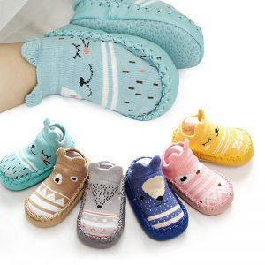 5 Tips Memilih Sepatu Bayi